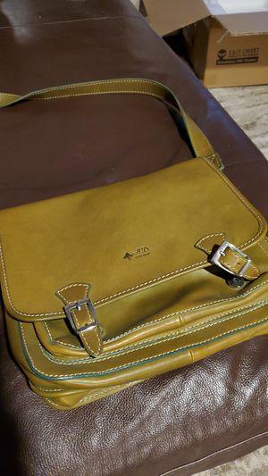 Brand new. AD Fierenze Cross body messenger bag Olive for Sale in Scottsdale, AZ