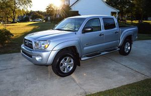 Very Nice 2005 Toyota Tacoma 4WDWheels Cool for Sale in Lincoln, NE