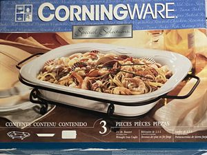Corningware Special Selection 2 1/2 Quart Roaster - 3 Pieces - New for Sale in Batavia, IL