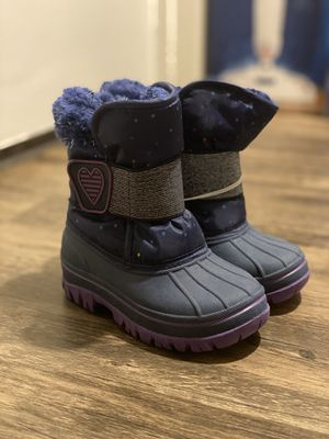 Toddler girl winter boots for Sale in Hayward, CA