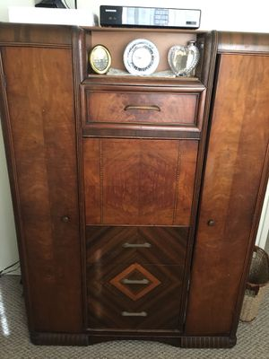ANTIQUE ART DECCO CHEST and DRESSER - MOVING and these items must go !! BLACK LOVESEAT like new TABLE LAMP and FLOOR LAMP !! for Sale in Boonton, NJ