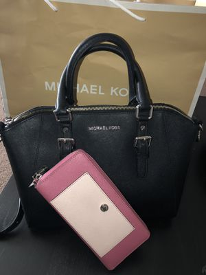 Used~Michael Kors Authentic Pink Wallet & Black Handbag With Silver Hardware. for Sale in La Mirada, CA