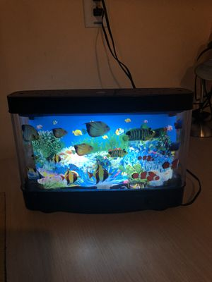 Small fish tank (it gives illusion of fish moving in it )no water of real fish needed for Sale in Dearborn Heights, MI