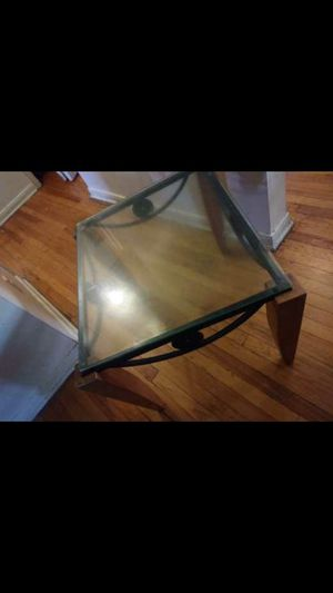 End table for Sale in Detroit, MI