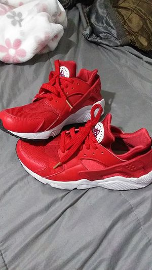Red and white Nike Air Hurraches for Sale in Glendale, AZ
