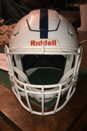 White Riddell Speedflex Size Med NEGOTIABLE for Sale in San Jose, CA
