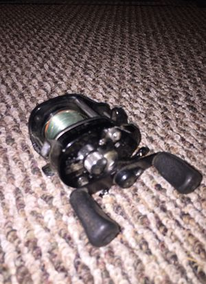 Daiwa bait cast fishing reel for Sale in Collinsville, IL