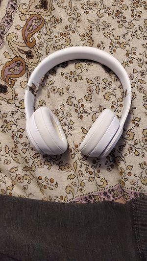 Used beats solo 3 wireless headphones for Sale in Dearborn, MI