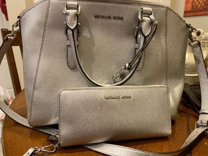 Large Michael Kors Silver Purse and Matching Wallet Wristlet for Sale in Land O Lakes, FL