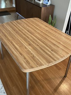 Small Breakfast/Dining Table for Sale in Placentia,  CA