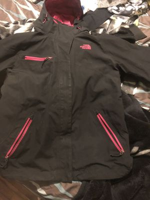 women's north face for Sale in Columbus, OH