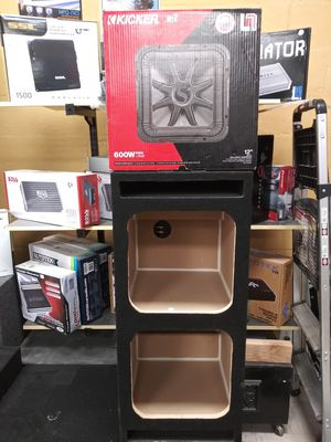 "2-Kickers L7R12"" SPEAKER BOX INCLUDED for Sale in Modesto, CA"