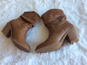 AMERICAN EAGLE BROWN COWBOY ANKLE BOOTS for Sale in Washington, DC