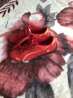 Pumas for boys size 2.5 for Sale in Menlo Park, CA