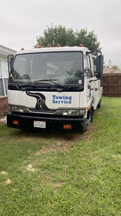 Nissan HD tow truck for Sale in Garland,  TX