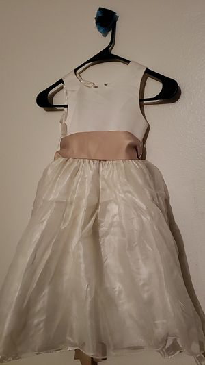 Flower Girl Dress size 4 for Sale in Pico Rivera, CA