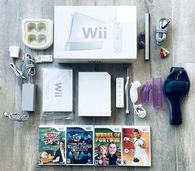 Nintendo Wii Bundle for Sale in Laguna Woods,  CA