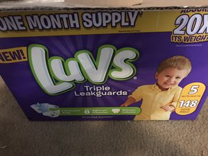 Diapers size 5 for Sale in Princeton, NJ