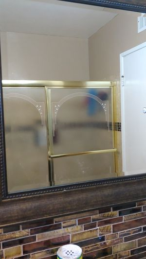 Bath top glass door for Sale in Garden Grove, CA