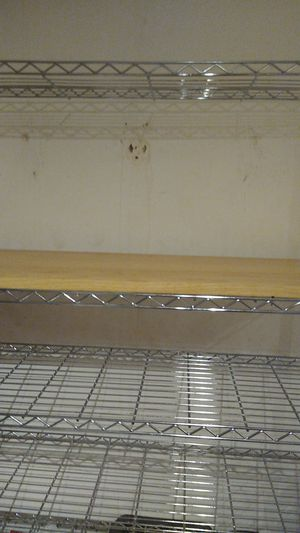 Like new baker's rack with wooden cutting board for Sale in Fort Lauderdale, FL