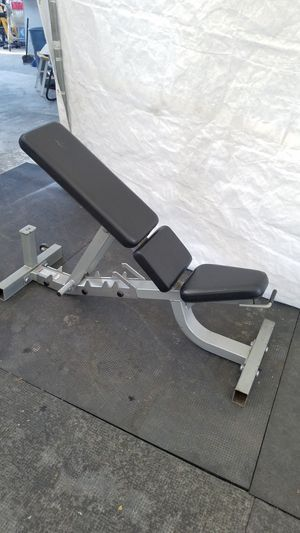 EXERCISE FITNESS EXCELLENT CONDITION LIFE FITNESS HEAVY DUTY COMMERCIAL GRADE ADJUSTABLE BENCH WITH WHEELS FOR EASY TRANSPORT for Sale in Long Beach, CA