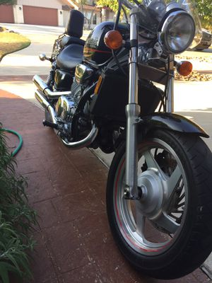 1999 Honda Magna VF750 Needs carburators cleaned Fat 180mm rear tire All systems work very well Approx 11,000 miles Gorgeous black and chrome motor for Sale in Leander, TX