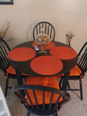 Dining table for Sale in Philadelphia, PA