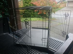"""Large Medium Dog Kennel Crate like New 36"""" L by 22"""" W 24"""" H for Sale in Federal Way, WA"""