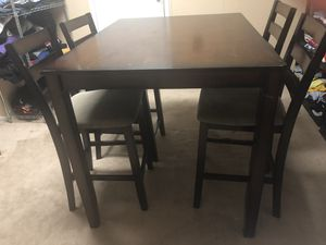 Dining Room Table and Chair Set for Sale in Cherry Hill, NJ