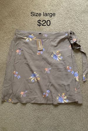 Size large skirt for Sale in Baytown, TX