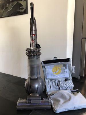 Dyson Animal Bagless Upright Vacuum for Sale in Phoenix, AZ