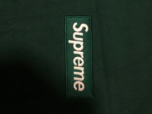 Supreme box logo crewneck green size medium for Sale in Pittsburgh, PA