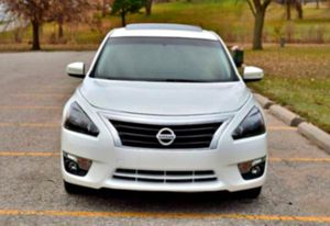 blend of performance 2013Altima 3.5 SL for Sale in Winthrop, IA