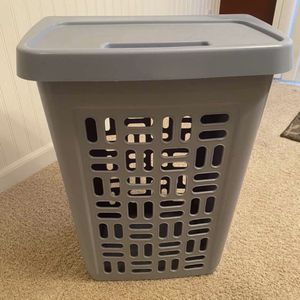 Tall Laundry Hamper With Lid for Sale in Tacoma, WA