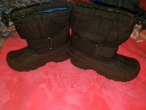 Size 1 snow boots kids. for Sale in Palmdale, CA