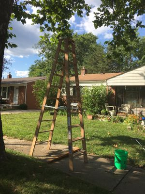 10' wooden step ladder rated for 300 lbs for Sale in Westland, MI