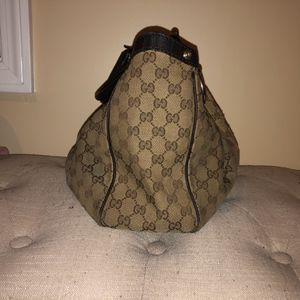 Gucci Shoulder Bag- Authentic 100% real for Sale in Boston, MA