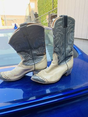 Cowboy boots women's size 7.5 for Sale in Pasadena, CA