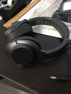Sony bluetooth headphones for Sale in Fremont, CA