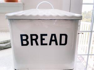 Metal bread box for Sale in Manassas, VA