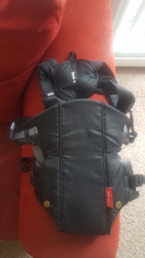 Baby carrier for Sale in Strongsville, OH
