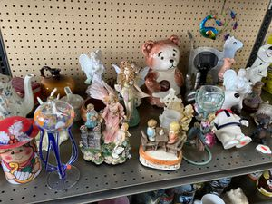 Glassware, figurines, knickknacks and more! for Sale in Gresham, OR