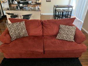 Burgundy love seat for Sale in Las Vegas, NV