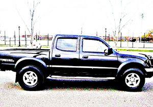 ֆ14OO 4WD Toyota Tacoma 4WD for Sale in Roseland, VA