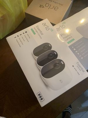 Arlo Spotlight Security Cameras (new, sealed) for Sale in Hialeah, FL