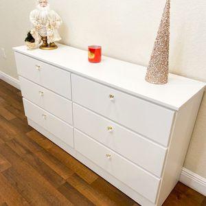 New White Dresser Crystal Golden Handles for Sale in Boca Raton, FL