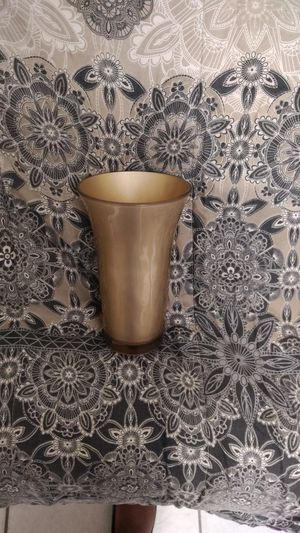 Heavy Gold Vase for Sale in Miramar, FL