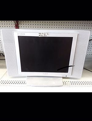 """15"""" FLATSCREEN TV - NO POWER ADAPTER for Sale in Columbus, OH"""