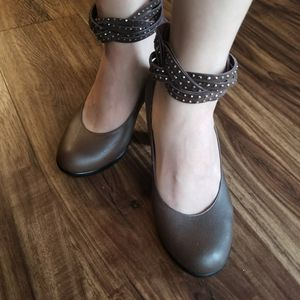 Anna Queen brown sparkle pump heels size 5 for Sale in San Francisco, CA