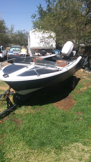 Customized fishing boat with a Johnson 40 electric motor for Sale in Henderson, CO